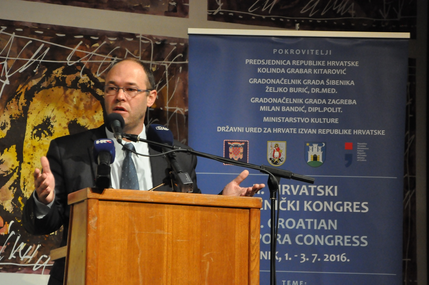 http://www.crodnevnik.de/crodnevnik/wp-content/uploads/2016/07/Hrv-iselj-kongres-Sibenik-2.jpg