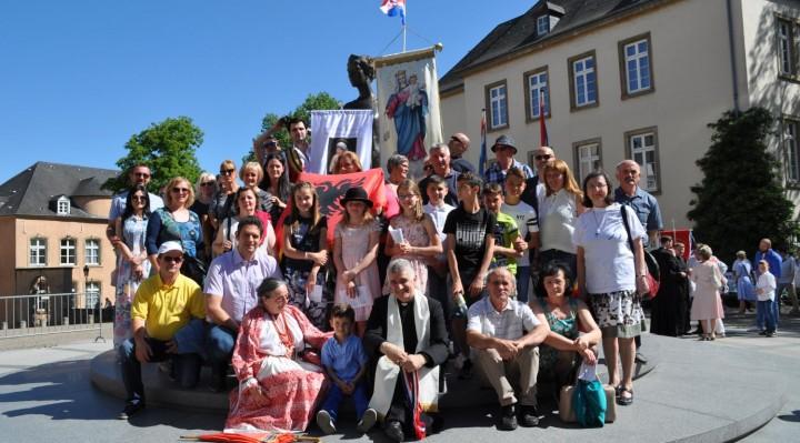 Hrvati u Luxembourgu na završnoj procesiji Oktave